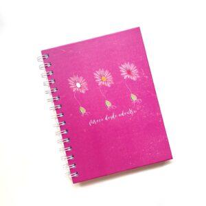 cuaderno chico florece desde adentro